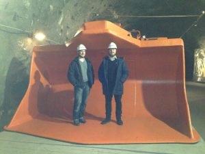 Dennis i en gruvtraktor nere i gruvan